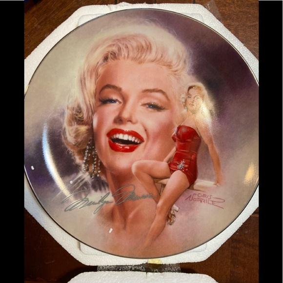 Marilyn Monroe plate - Million dollar star
